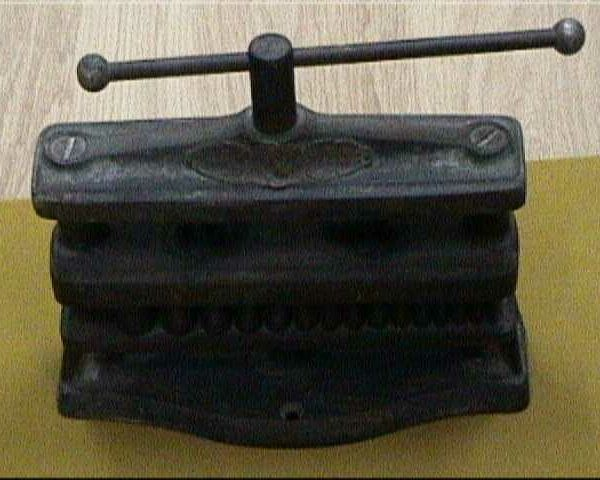 prensa rectangular para casquillos